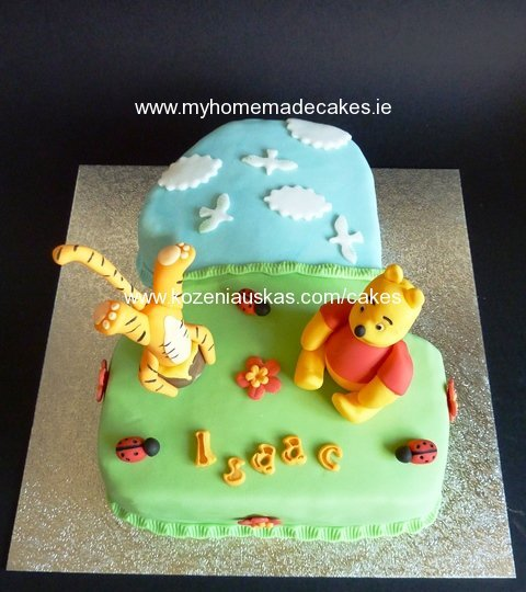 Winnie-the-Pooh and Tigger cake