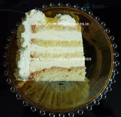 Lemon mousse and lemon curd cake
