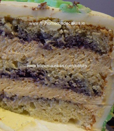 Almond caramel cake